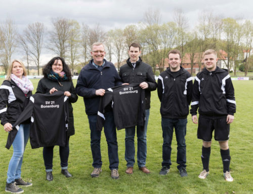 Bäckerei Brechtken sponsort Trainingsjacken